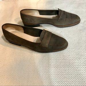 Like new Salvatore Ferragamo brown suede loafers!